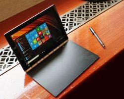 ВРоссии начались продажи планшетов 2-в-1 Lenovo Yoga Book