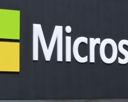 Финансовый отчёт Microsoft: продажи смартфонов упали на 72%