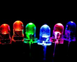 Хакеры научились добывать информацию через мигающие светодиоды