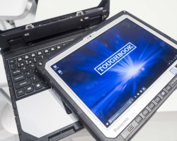 Крутые новинки с MWC 2017: Porsche Design Book One и Panasonic Toughbook CF-33