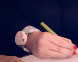 Microsoft показала часы, которые помогут людям, страдающим от болезни Паркинсона