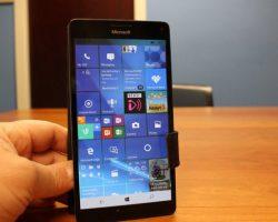 Все совместимые смартфоны начали получать обновление Windows 10 Mobile Creators Update