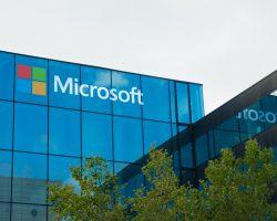Доходы Microsoft возрастают на 12% благодаря ноутбуку Surface