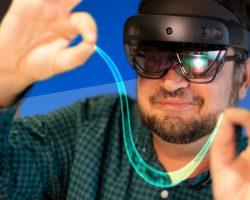 HoloLens 2 доступен для покупки